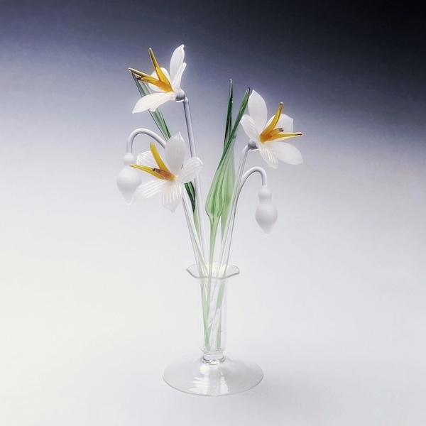 Snowdon Lilies Medium