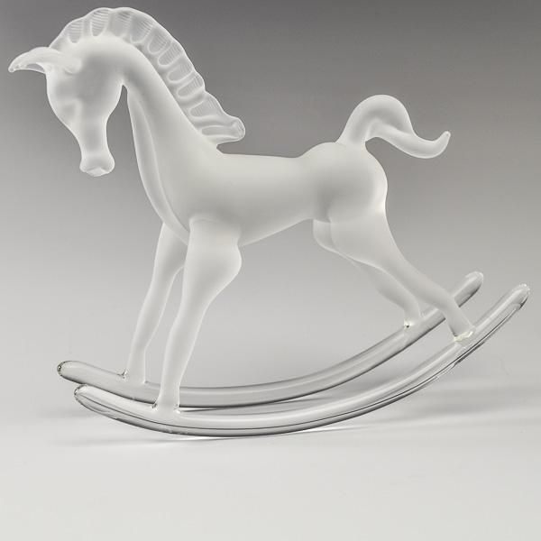 Rockinghorse White Frosted Large